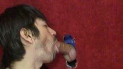 Brad Slater dans un GloryHole Gay !