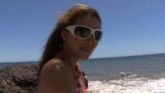 Après la plage Allie Haze s'offre un bron gros chibre