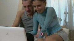 Une video sur Redtube motive ce couple à faire un porno