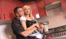 Ma femme de ménage en mode soubrette sodomisée ! Dirty Maid !