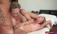 Baise ma fille sale con ! Une mère diabolique dans un porno !