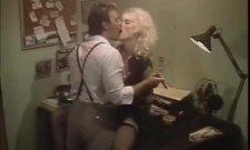 Un petit extrait porno vintage de 1987 ?